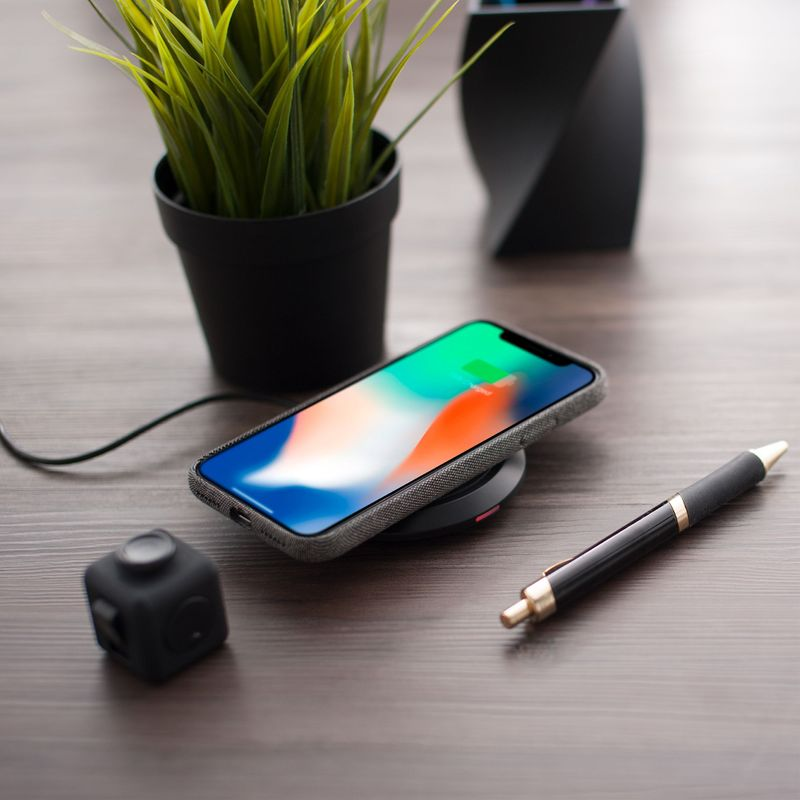 Cobble-Pro-10W-Qi-Fast-Wireless-Charger-Pad-Charging-Dock-for-iPhone-X-XR-XS-8 thumbnail 10